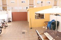 parcela de unos 66 m2 con barbacoa, y garaje.  Solicite más información a su inmobiliaria de confianza en Benidorm  www.inmobiliariabenidorm.com