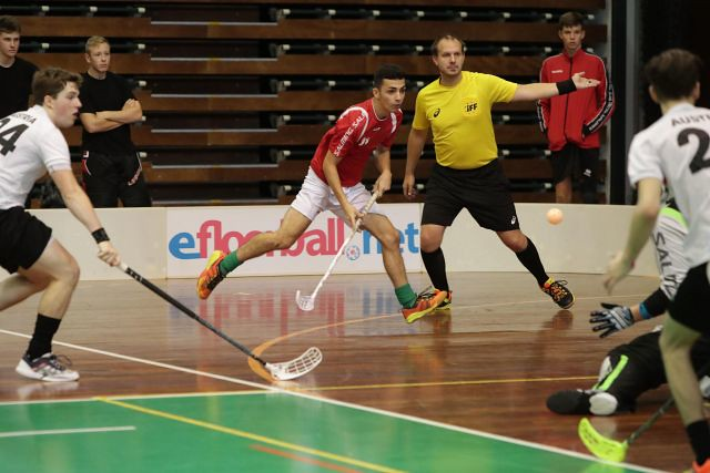 magyar_Floorball_valogatott_U19_01_floorball_akcio_2018