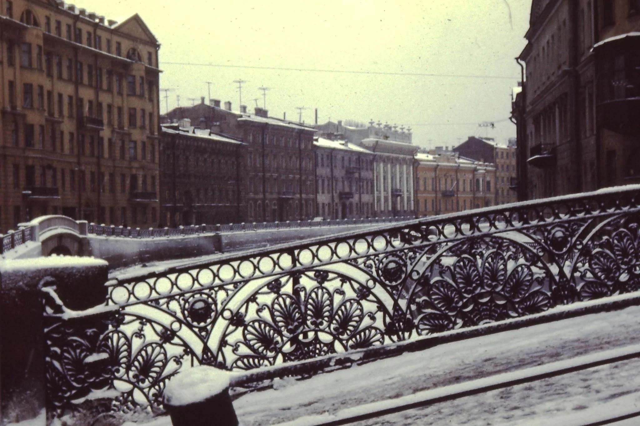 11. Ленинград (Санкт-Петербург) был построен по образцу Амстердама, с каналами