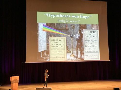 """Helena Nadal en Naukas18: """"Hypoteses non fingo"""" y el conocimiento de frontera"""