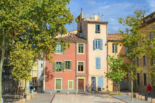 xtiandugard placeduchapitre nîmes gard france occitanie peinture painting paysage landscape urban maisons houses place colores