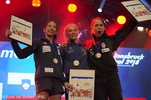 ifscwch-innsbruck-boulderfinals-women-friday-052-D4S_2688