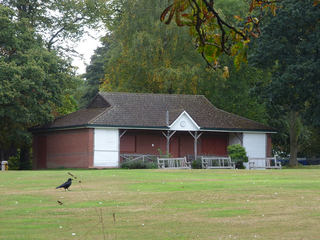 Britannic Park Apartments - Moor Green Lane, Moseley - cricket pavilion and a crow