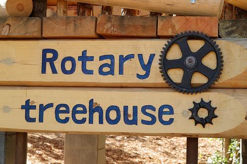 peec sign bearfestival naturecenter treehouse treehouseopening losalamos newmexico usa