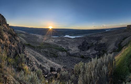 9photo photomerge panorama gorge sunset cliff house vip nikon d750 nikkor 2485mm george washington thegorge amphitheatre columbia river canyon landscape sunstar al case