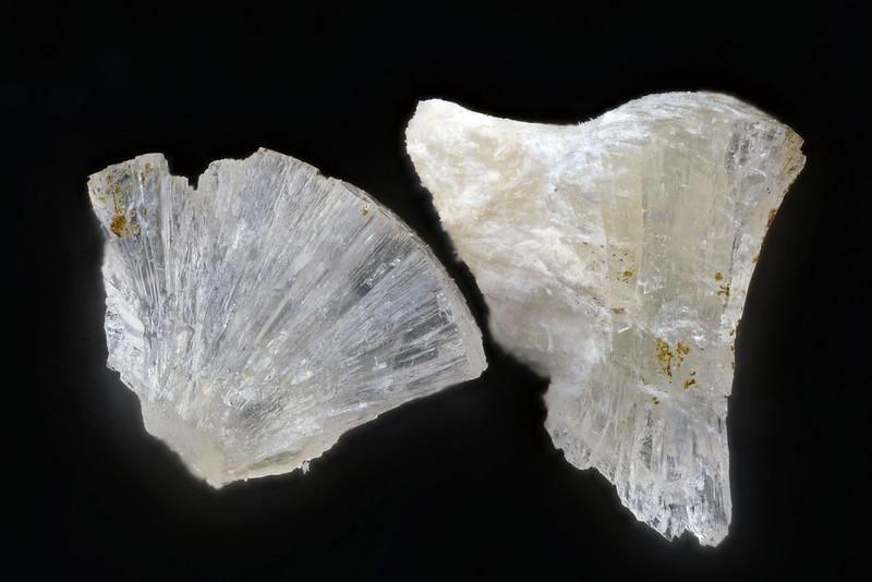 バラー沸石 / Barrerite
