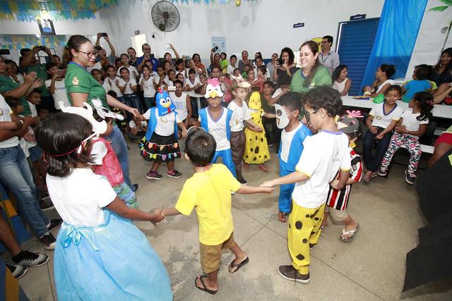 28.08.18 Escola ribeirinha do Rio Negro realiza Festival Folclórico Ambiental.