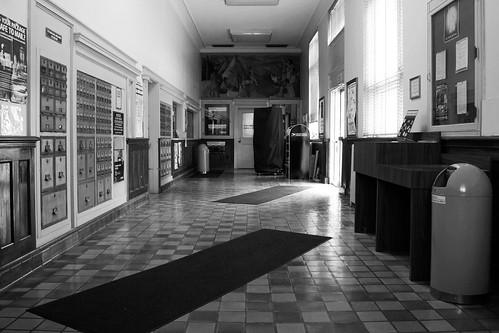 neodesha kansas postoffice lobby throwrug poboxes mural door interior lighting trashcan 1930s