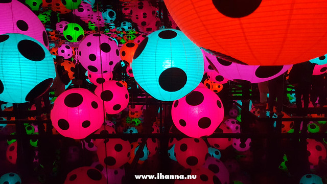 Yayoi Kusama's art installation as it turned turquoise and pink