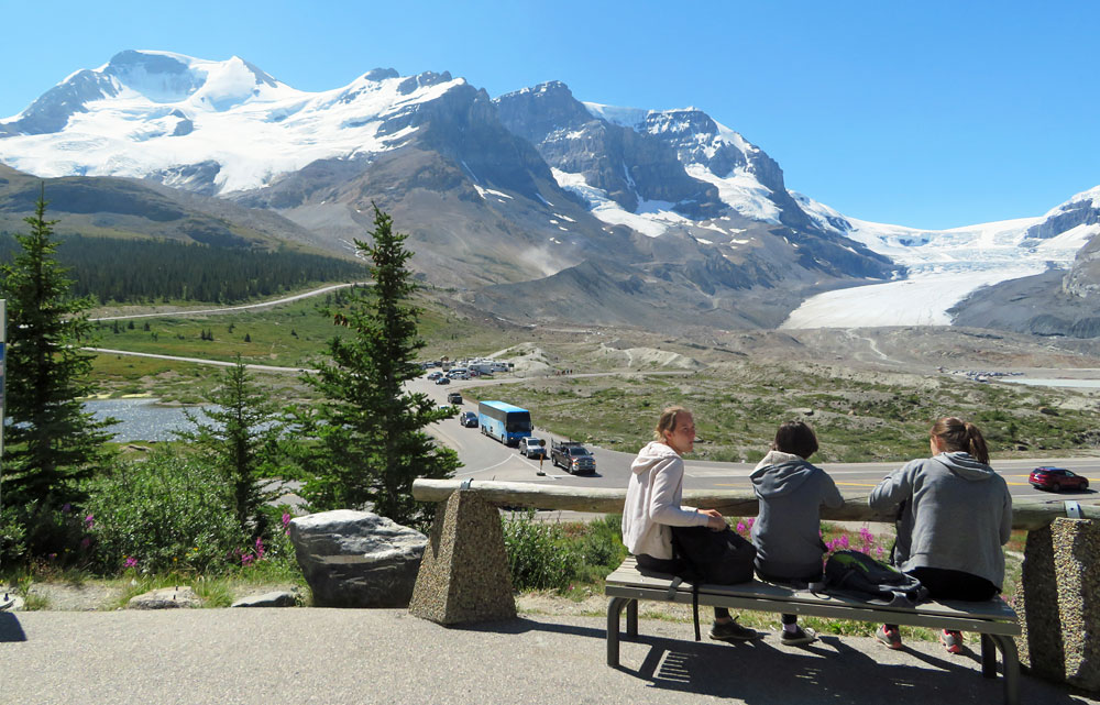 columbia-icefield-visitor-center