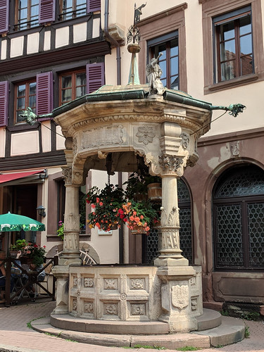 "Obernai's ""Six Buckets Well"""