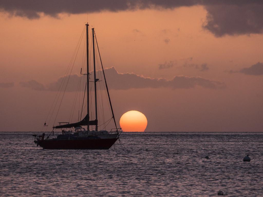 Coucher de soleil sur Grande Anse... 44370139562_4b09ce62e8_b