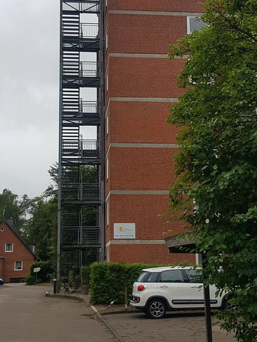 20180623 19 208 Baltica Oldesloe Hausfassade Backstein Treppe