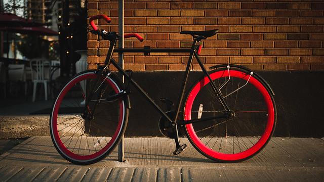 The Crimson Ride, Fujifilm X-T2, XF35mmF1.4 R