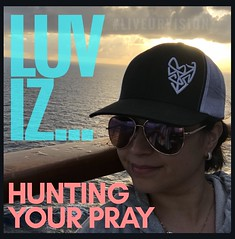 LUV iz... hunting your prAy