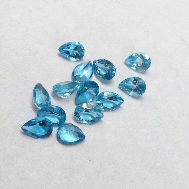 natural swiss blue toapz pear faceted gemstone