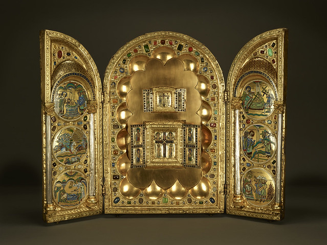 Stavelot Triptych [object], ca. 1156-1158, full view, all doors open, AZ001