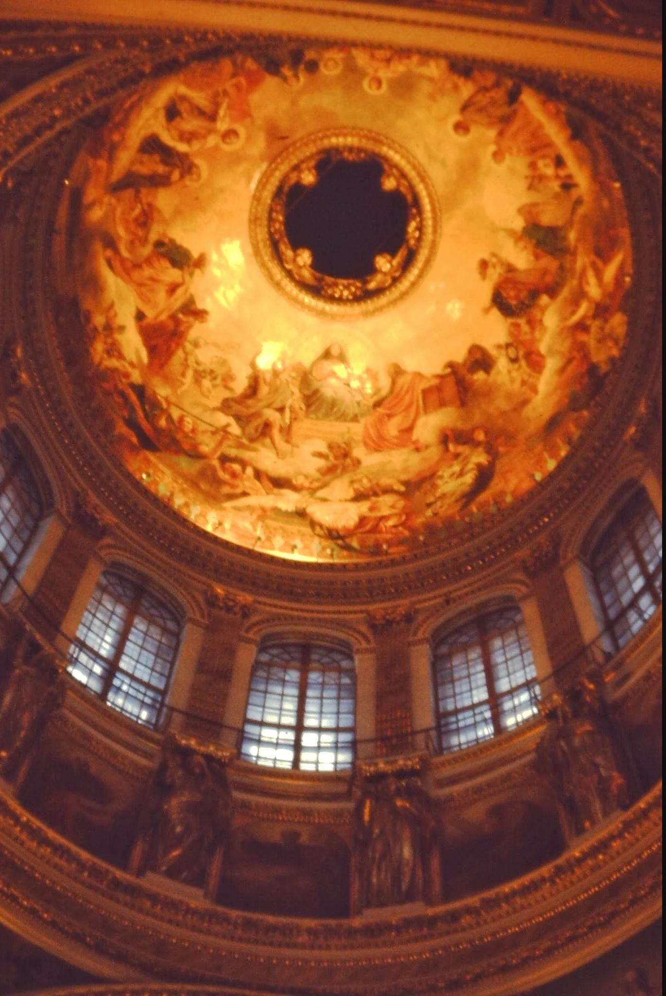 19. Исаакиевский собор. Купол является вторым по величине в мире