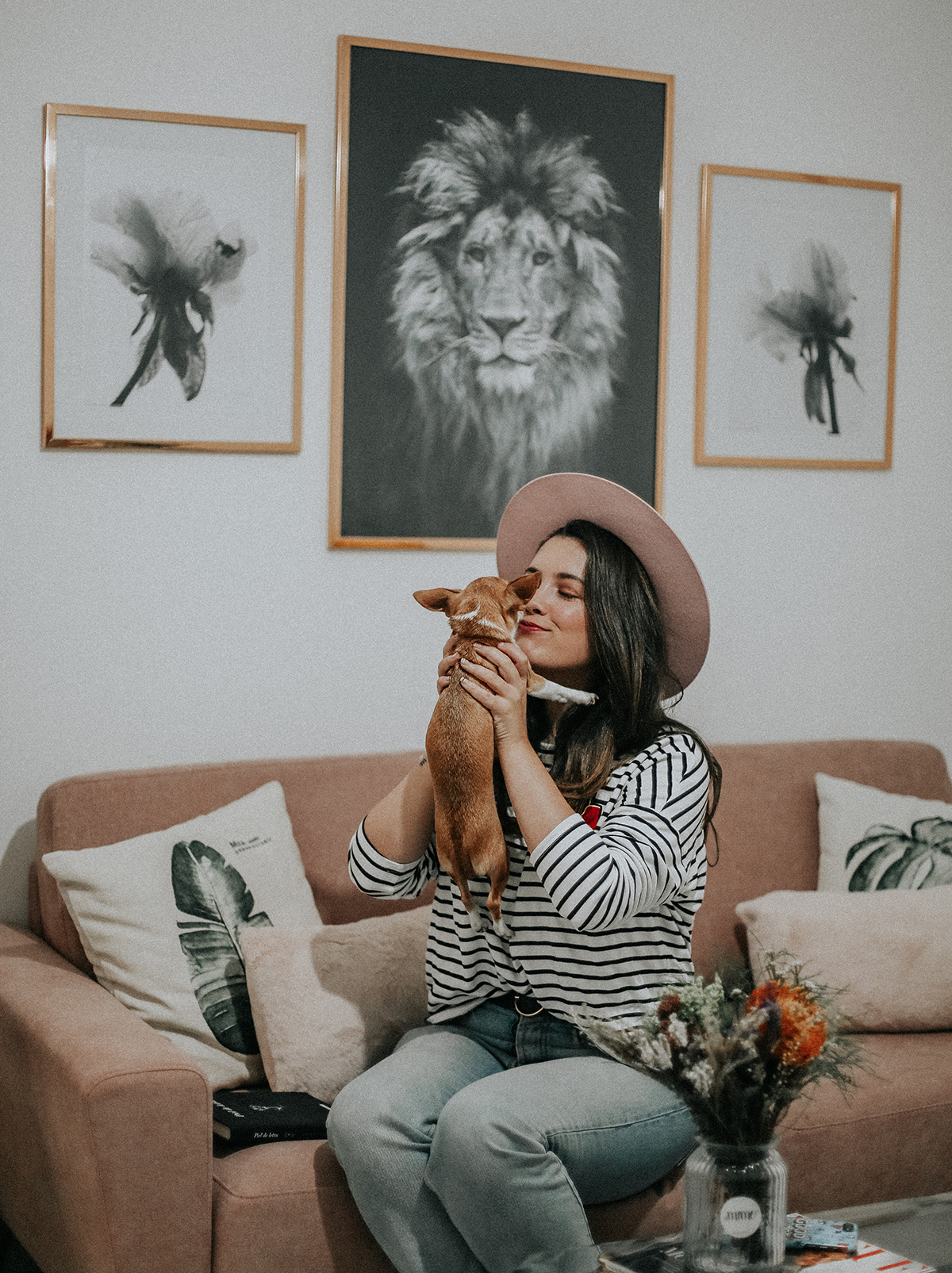 decora-salon-posterlounge-sofa-rosa-myblueberrynightsblog9