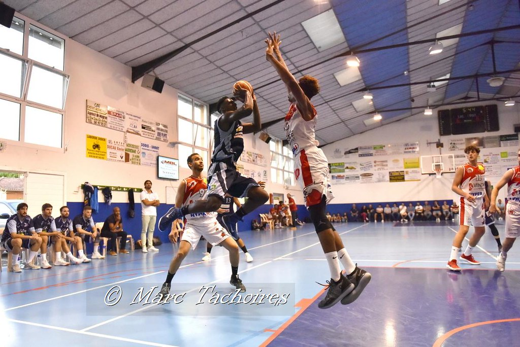 REAL 1 M - VENDEE CHALLANS BASKET 2 : 93 – 73