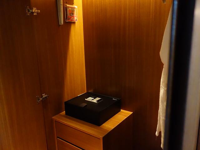 衣櫃@高雄H2O水京棧國際酒店