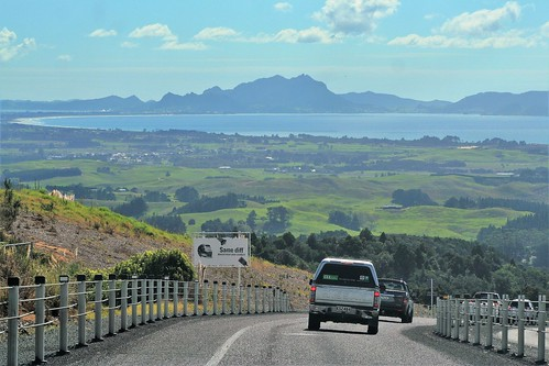 Twin Coast Highway, North Island, NZ - View to Taurikura