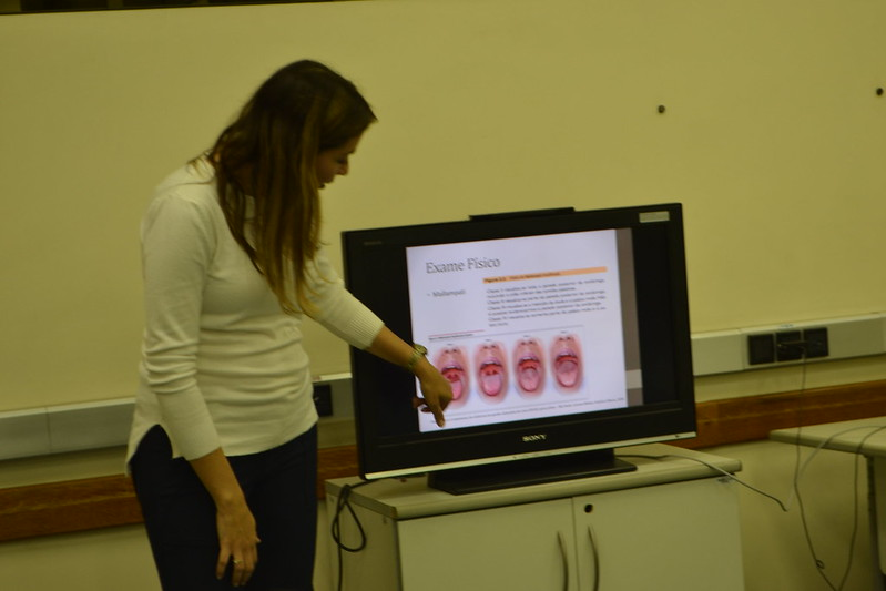 "Workshop sobre Distúrbios do Sono e Atuação da Fisioterapia"", com Mariana Gurgel, no encerramento do VIII Simpósio do Curso de Fisioterapia"