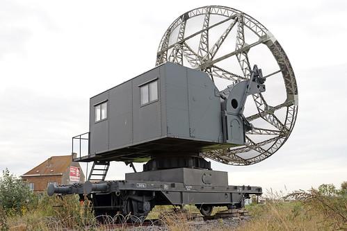 (4/4) Military antenna of telecommunication on rail of the 2nd world war / Antenne parabolique sur rail de la 2ème guerre mondiale.