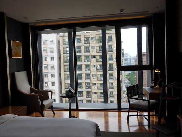採光極佳的落地窗@高雄H2O水京棧國際酒店