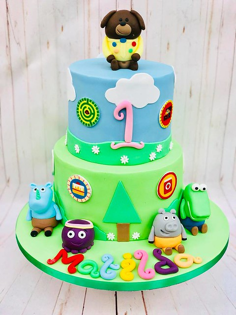 Cake by Vanilla Kisses