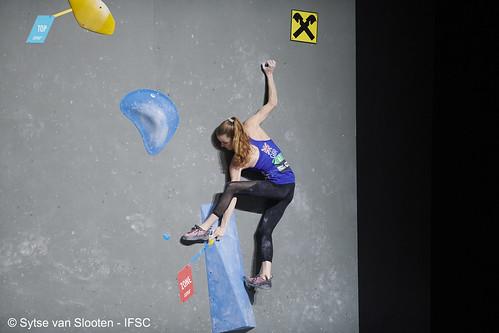 ifscwch-innsbruck-bouldersemifinals-women-friday-012-D85_2271