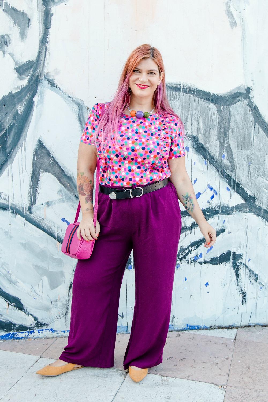 outfit plus size curvy tshirt artigianale misstufi panta palazzo viola (3)