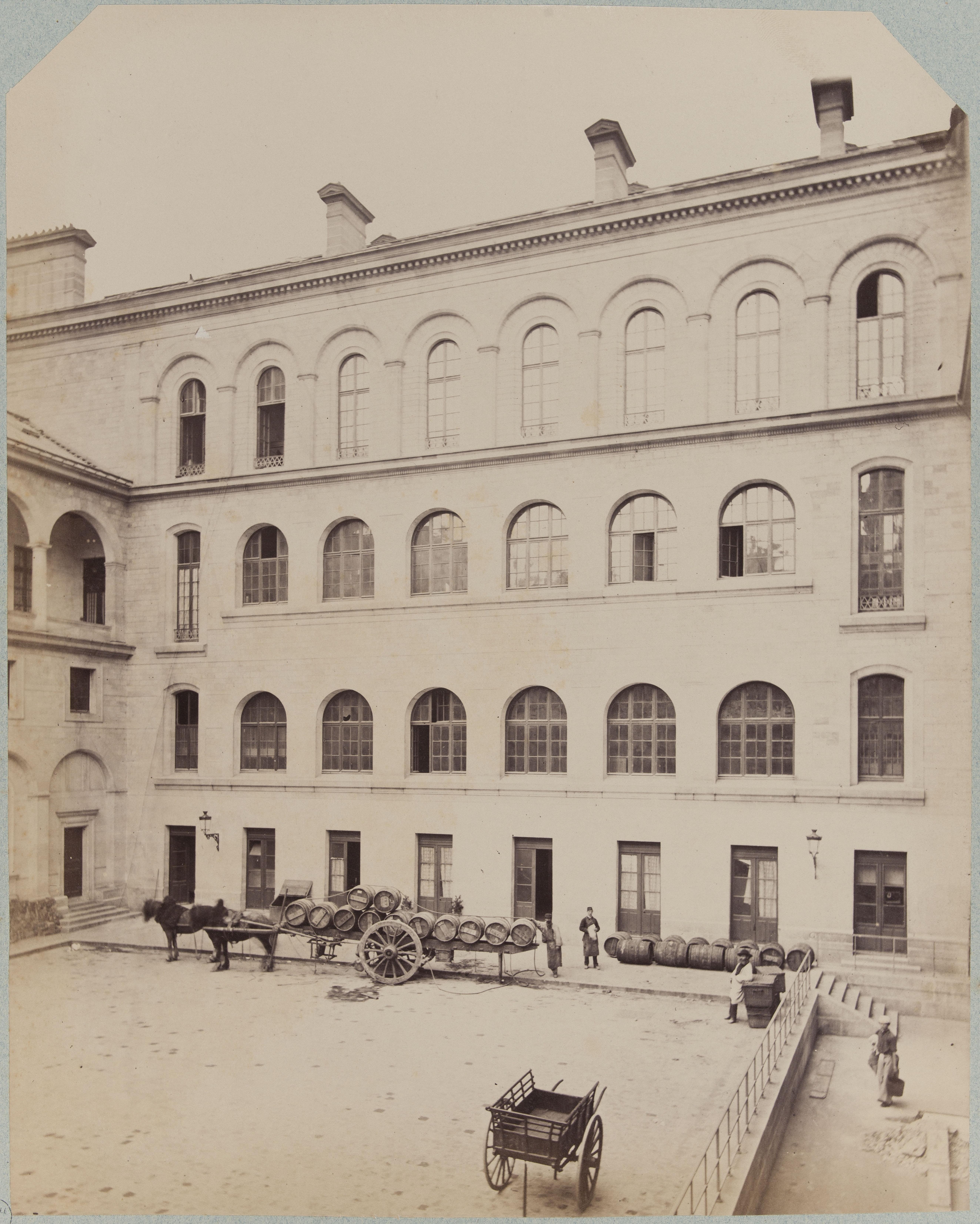Хозяйственный двор нового Отель-Дьё де Пари