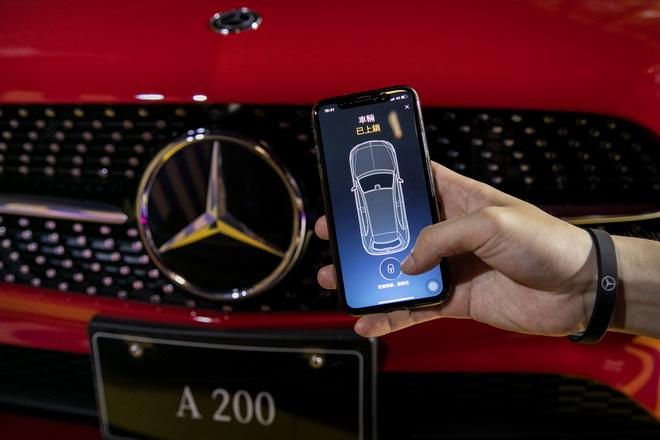 透過Mercedes me App.也可遠端進行車門上鎖與解鎖