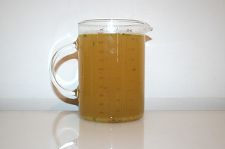 06 - Zutat Hühnerbrühe / Ingredient chicken broth