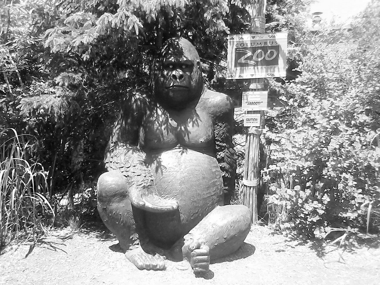 Gorilla Sculpture at Columbus Zoo 5-31-2014 12-59-19 PM