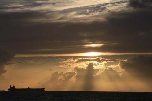 fortlauderdale fortlauderdaleflorida a1a sea sunrays sunrise ship shipping browardcounty