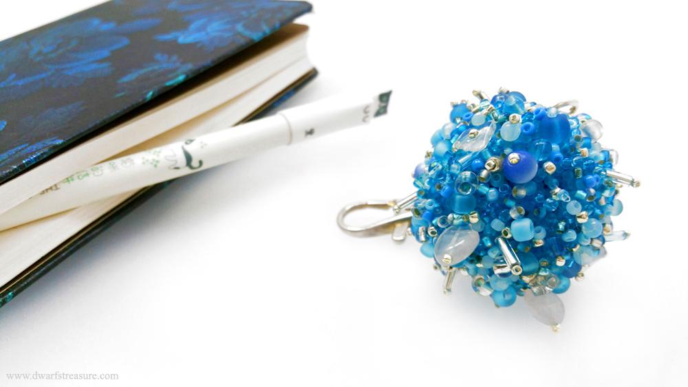 turquoise skulls bracelet as a protective amulet
