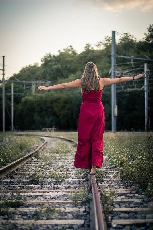 La jeune fille sur les rails! 30623001748_aac057ec8f_c