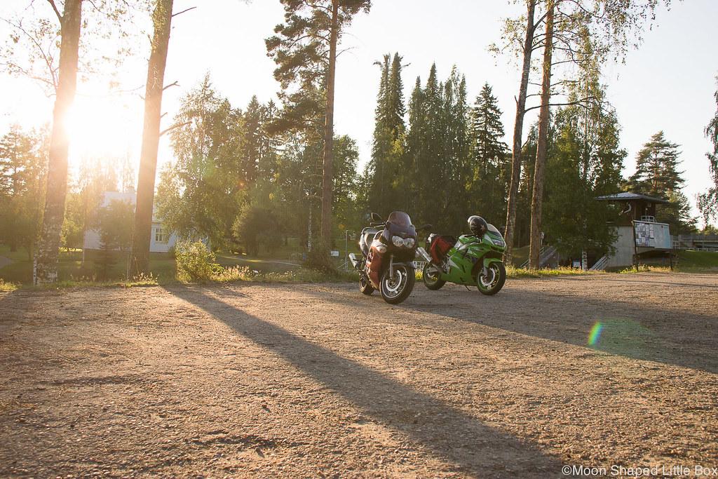 moottoripyöräily, kawasaki ninja, kyykkypyörät, varistaival, moottoripyöräilemässä, itä- suomi