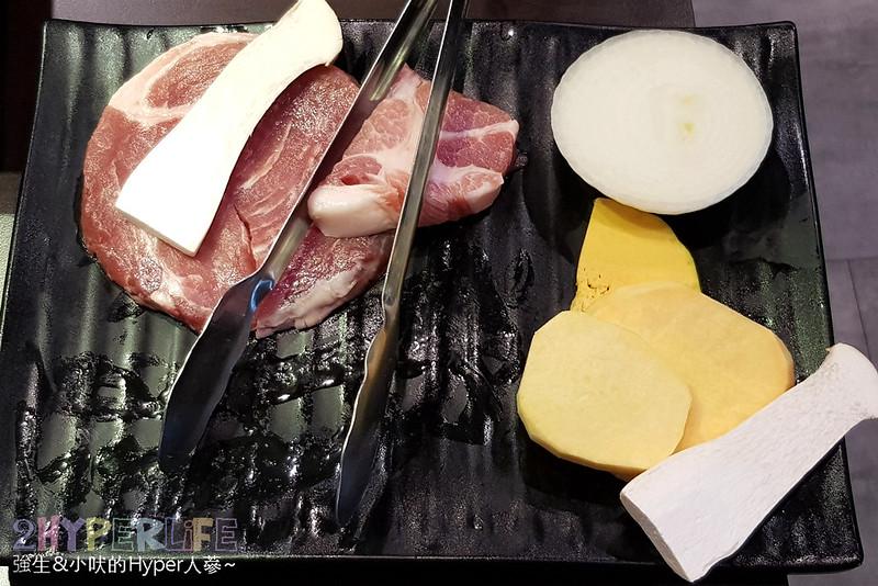 43351098535 e744b44bdb c - 火板大叔│韓國烤五花肉加起司超對味!台中北區高評價韓式烤肉,記得預約不然很容易吃不到哦!