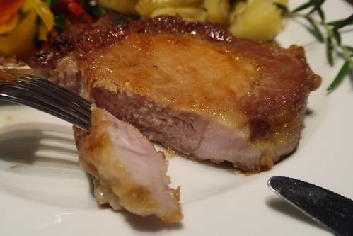 Kotelett vom Iberico Schwein (angeschnitten)