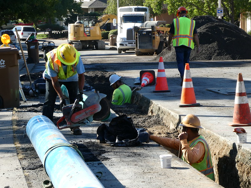 2018-09-07 - Replacing Water Main Pipes along Fawn Hill Way
