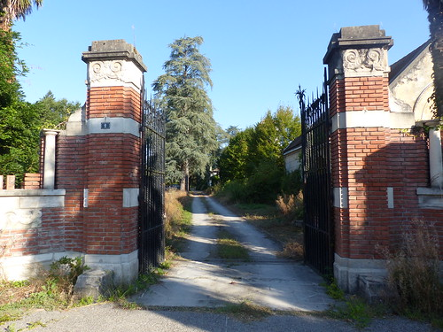 Le château Bijou, Labastide-Villefranche, Pyrénées-Atlantiques, ouvre son parc pour les journées du patrimoine. Grosse maison bourgeoise du XVIII° qui fut transformée au début du XX° par sa propriétaire Madame Combes née Saint Macary, amie de Jean Rameau.