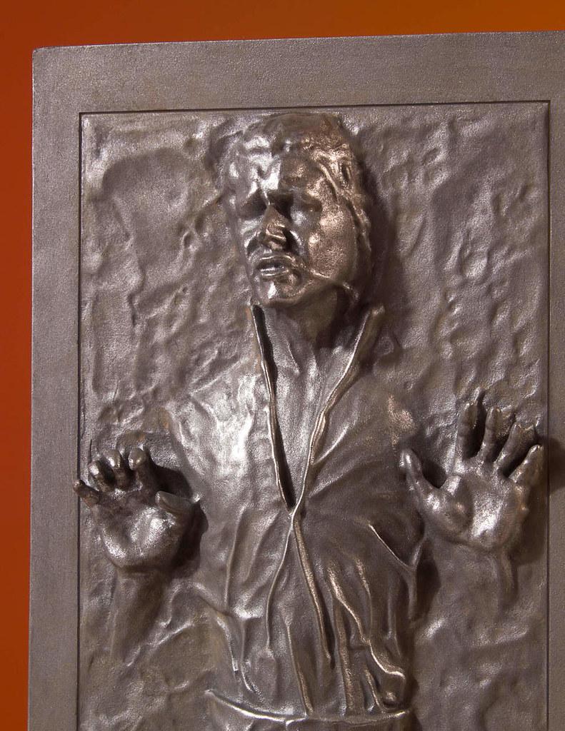賞金獵人們要找的就是你! Gentle Giant Collector's Gallery 星際大戰【碳凍韓索羅】Han Solo in Carbonite 1/8 比例全身雕像作品