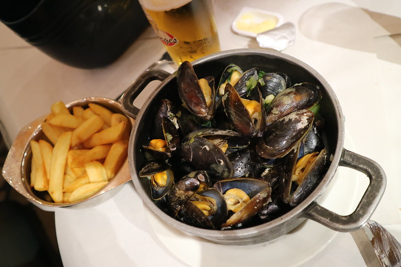 Mussels and Chips at Chez Leon
