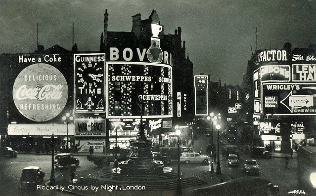 Piccadilly Circus: 1956