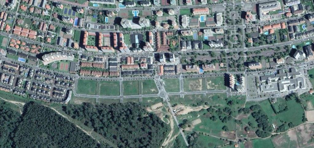 laredo (oeste), cantabria, al oeste de laredo crecía y vivía, después, urbanismo, planeamiento, urbano, desastre, urbanístico, construcción, rotondas, carretera