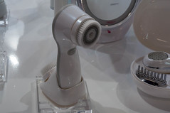TOUCHBeauty rotating 360° facial cleansing brush