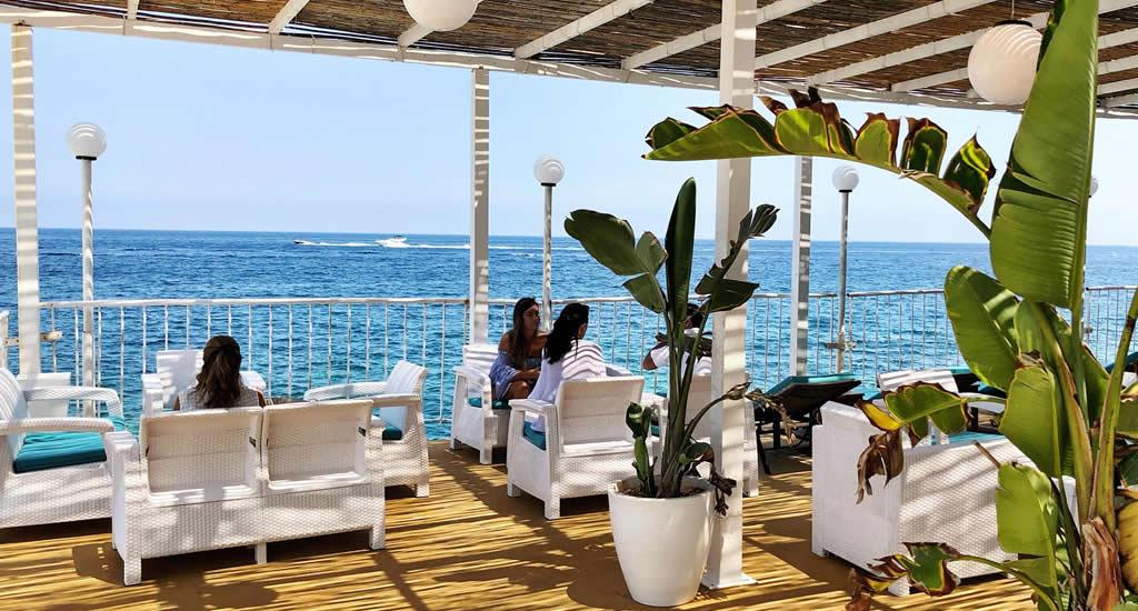 Doen op Malta: ga naar een beach club (foto met dank aan Pearl Beach, Sliema) | Malta & Gozo
